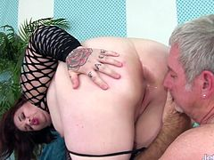Sexy plumper gets her pussy rubbed tits sucked and licked in her ass Then gets her pussy fucked deep in many positions The guy cums in her mouth