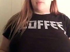 Teen flashes boobs while streaming on periscope
