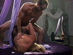 Horny guy gets to plow nasty blonde chick Kelly Madison