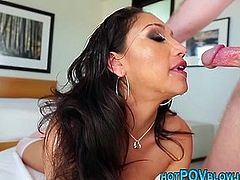 Hottie pointofview sucking dick for facial