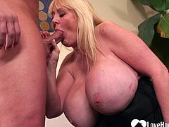 Blonde in stockings gets a hardcore slamming