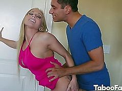 Stepmom christie stevens giving orall-service and boned by large wang