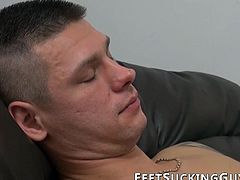 Freaky dude got his feet licked and worshiped while wanking