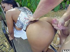Ebony bitch with huge bubbled ass Moriah Mills gets her twat rammed
