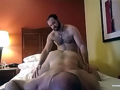 In this compilation of previously unreleased content, Topher and MuscleBull are looking hot in their union suits, already hard and ready for action. Topher works over MuscleBulls hole with his beard and tongue, before bareback fucking him good. Its followed by Daddy Zev working over MuscleBulls hole with his tongue, before fucking Topher. After fucking him good, Zev pulls out and then goes to town with his tongue. Then we cut to Topher jerking off, with a nice big load, after some help from P