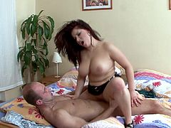 Brandy Lee wants a naughty guy to fuck her until he cums