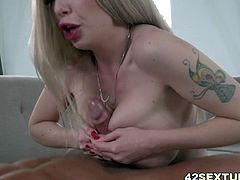 Isabella Clark tries to deepthroat a hard dick
