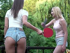 A ping-pong game between oldje a brunette and a blonde quickly transforms into a hot threesome