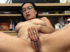 http://img3.sexcdn.net/0r/1f/ku_asian_slut.jpg