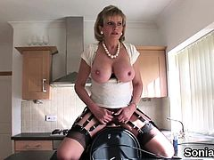 Unfaithful british mature lady sonia displays her huge boobs