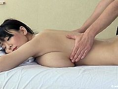 hitomi tanaka gets massage from white guy
