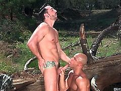 Tattoo bodybuilder outdoor sex with spunk fountain