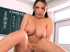 Sexy honey gets down to it and gives a oral sex