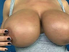 Lisa ann undress tease and slit masturbation