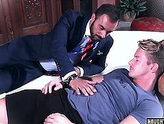 Muscle homo anal sex and spunk fountain