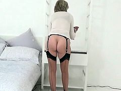 Unfaithful english mature lady sonia unveils her heav68sRW