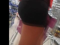 SPYing hot ass in the supermarket