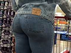 Ebony Hips and Ass VPL Denim Walking Thru Wallys