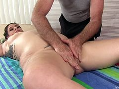 Sexy plumper visits a masseur and lays naked on the massage table and he start massaging her Then he teases her pussy with finger and a dildo then he also use a vibrator to give her orgasm