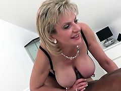 Cheating british milf lady sonia presents her enormou21ucR