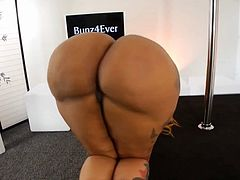 tremendous ass bunz shows us again the powerful ass that she has black slut with a tremendous ass and a pigs face she is adorable now with a delicious tiger lingerie that makes my cock very hard delicious slut with a big ass.