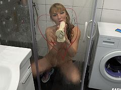 I even take a shower with a Hamster.Russian Milf Sucks Dildo